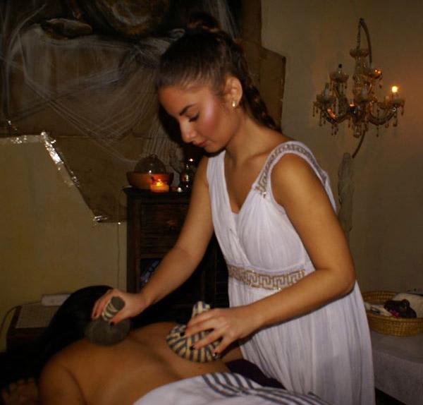 massage-me-pougia-νηρηιδες-spa-πλακα
